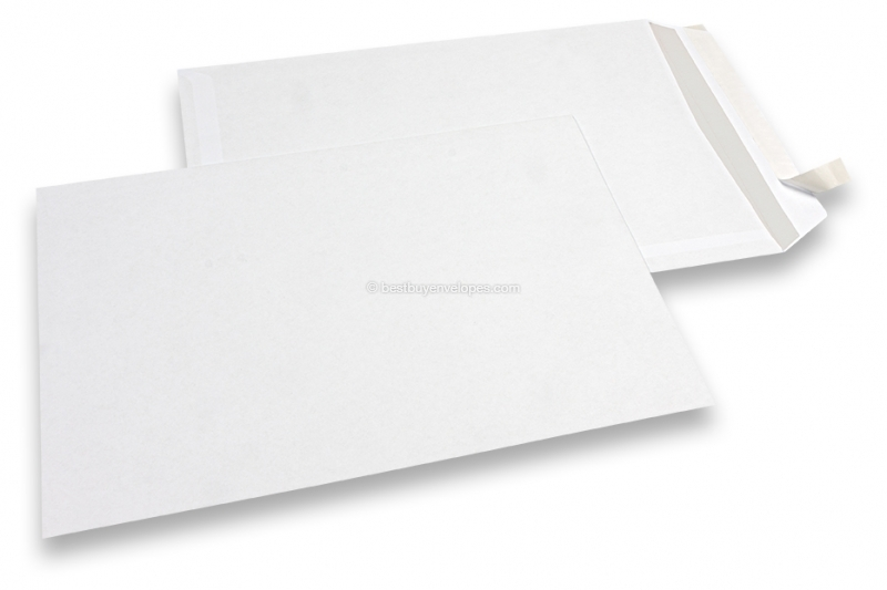 Basic envelopes, 229 x 324 mm, 100 grs., no window, strip closure
